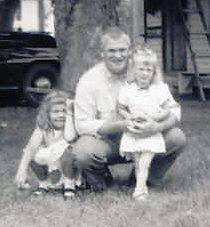 horseman-howard-and-daughters-alice-and-linda